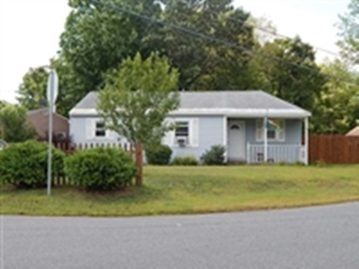 Queensbury Single Family Home For Sale: 208 Fifth St Ext
