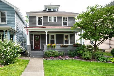Albany Single Family Home For Sale: 8 Norwood Av