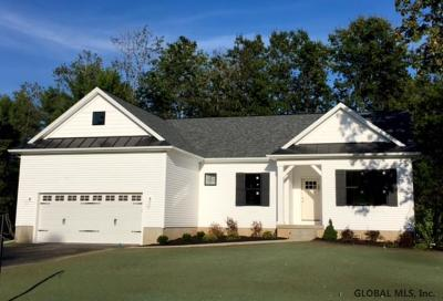 Wilton Single Family Home For Sale: 4 Craw Ln