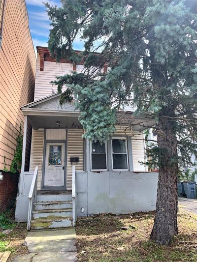 Rensselaer Single Family Home For Sale: 1492 Broadway