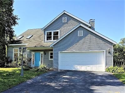 East Greenbush Single Family Home For Sale: 17 Rockefeller Blvd