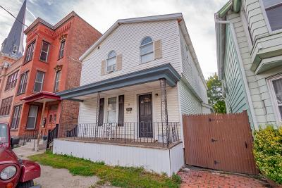 Cohoes Single Family Home For Sale: 35 Johnston Av