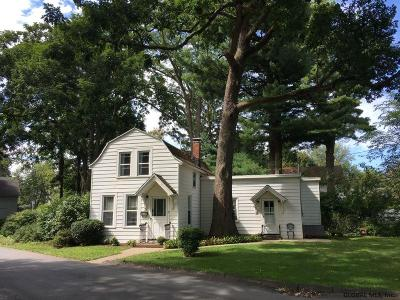 Troy Single Family Home For Sale: 3 Lakewood Pl