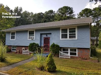 Saratoga County Single Family Home New: 42 Pheasant Ct