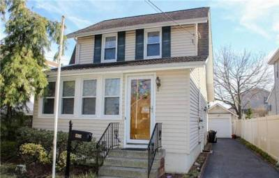 Bellmore Single Family Home Under Contract: 2392 Orange Street