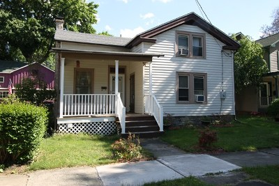 Single Family Home For Sale: 207 Sixth Street