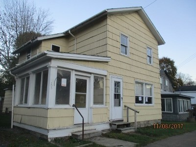 Single Family Home For Sale: 108 S Catherine Street