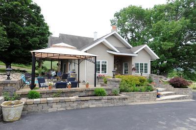 Single Family Home For Sale: 2461 Beaver Dams Moreland Road