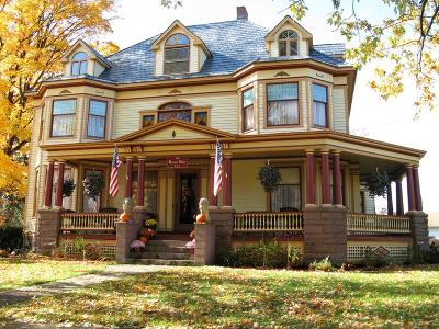 Dundee Single Family Home For Sale: 39 Main Street