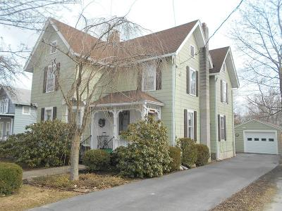 Dundee Single Family Home For Sale: 19 Hollister