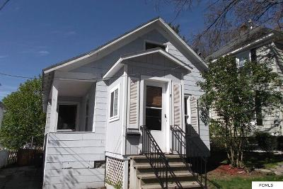 Single Family Home Sold: 7 Hawk St