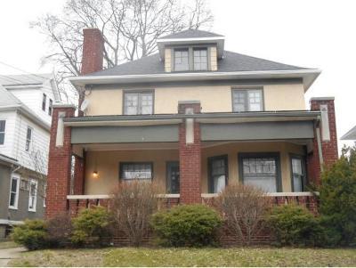 Binghamton NY Single Family Home For Sale: $140,000