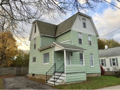 Single Family Home For Sale: 39 Travis Ave