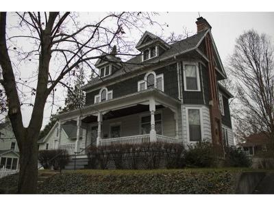 Binghamton NY Single Family Home For Sale: $146,900