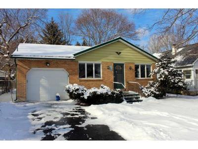 Vestal Single Family Home For Sale: 304 Midland Drive