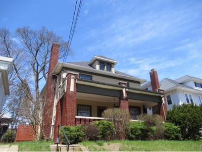 Binghamton Single Family Home For Sale: 14 Davis