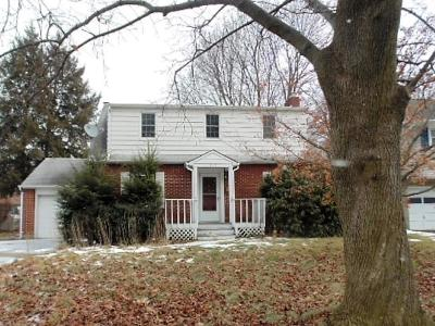 Vestal Single Family Home For Sale: 513 Delano Ave