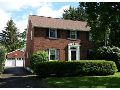 Binghamton NY Single Family Home For Sale: $169,000