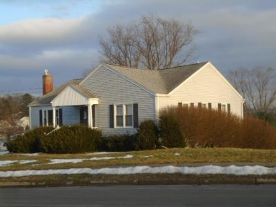 Single Family Home For Sale: 2710 Crescent Dr