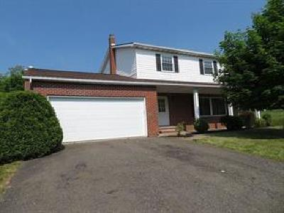 Endicott NY Single Family Home For Sale: $149,900