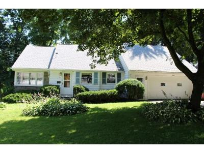 Vestal NY Single Family Home For Sale: $149,900