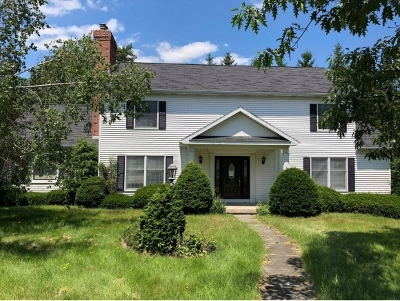Endicott NY Single Family Home For Sale: $225,000