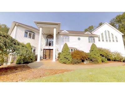 Single Family Home For Sale: 216 John Street