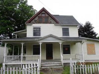 Endicott Single Family Home For Sale: 409 Exchange Avenue