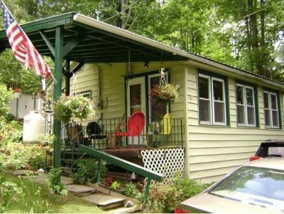 Windsor Single Family Home For Sale: 231 Beaver Lake Circle Rd
