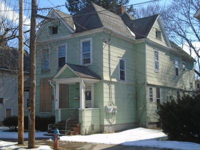 Binghamton Multi Family Home For Sale: 18 Cary