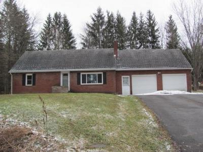 Maine Single Family Home For Sale: 2198 Cornell Hollow Rd