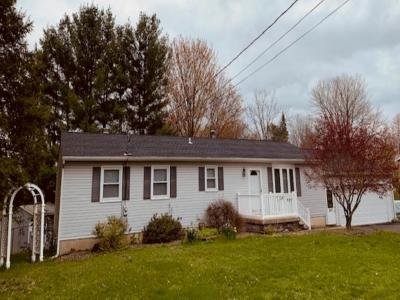 Broome County, Cayuga County, Chenango County, Cortland County, Delaware County, Tioga County, Tompkins County Single Family Home For Sale: 820 North Rogers