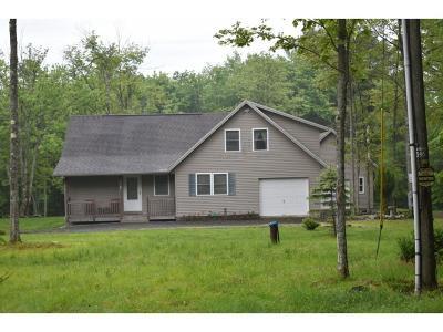Windsor Single Family Home For Sale: 493 Schoolhouse