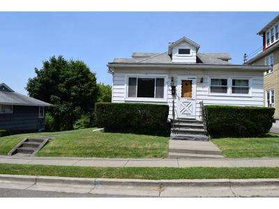 Single Family Home For Sale: 57 Zoa Ave
