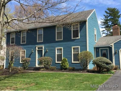 New Hartford Single Family Home For Sale: 14 Stonebridge Road