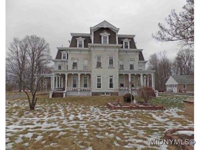 Frankfort Single Family Home For Sale: 128 Cemetery