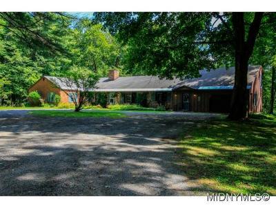 BARNEVELD Single Family Home For Sale: 634 Partridge Hill Road
