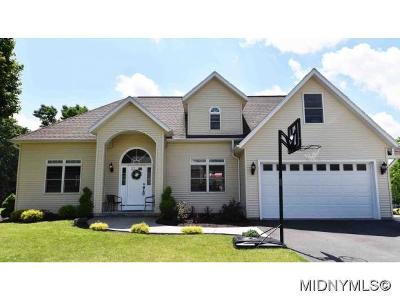 Whitesboro Single Family Home For Sale: 141 Evergreen