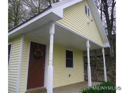 Frankfort Single Family Home For Sale: 263 Bennett Rd