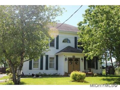 Herkimer County Single Family Home For Sale: 660 Cramer Rd