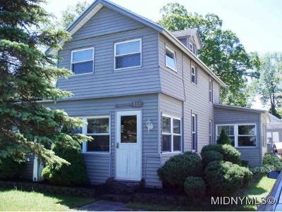Sylvan Beach Single Family Home For Sale: 104 23rd Ave