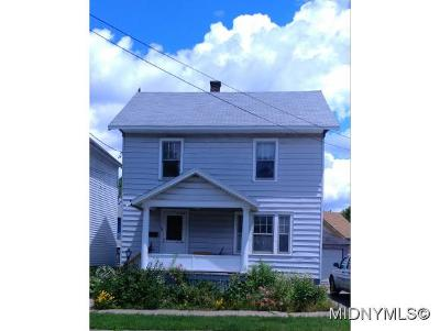 UTICA Single Family Home For Sale: 53 Auburn