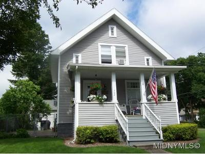 Madison County Single Family Home For Sale: 402 Seneca Street