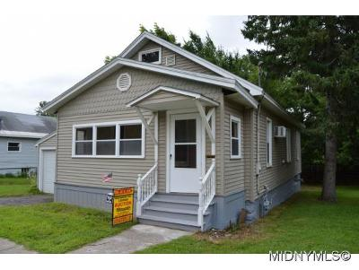 Single Family Home For Sale: 294 Main Street