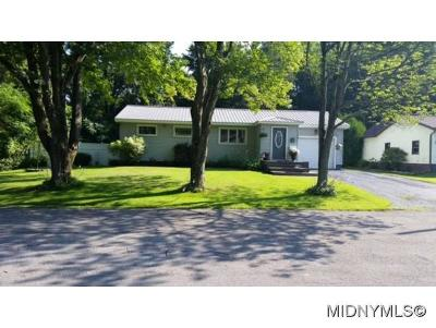 Oneida County Single Family Home For Sale: 1421 Fairwood Drive