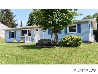 Oneida County Single Family Home For Sale: 504 Parklane Dr