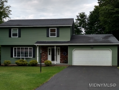 NEW HARTFORD Single Family Home For Sale: 37 Deerpath Drive