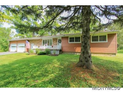 Holland Patent Single Family Home For Sale: 7282 Glass Factory Road