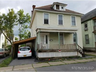 Utica Single Family Home For Sale: 601 Eagle St