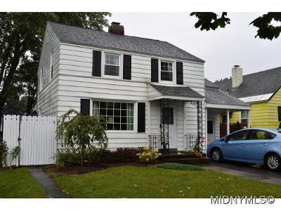Utica Single Family Home For Sale: 1250 Hilton Ave